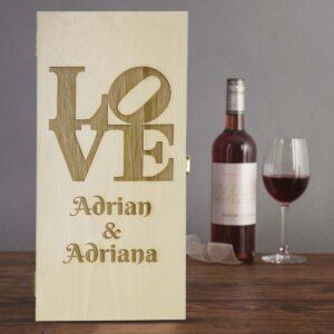 Cutie de vin dubla personalizata LOVE